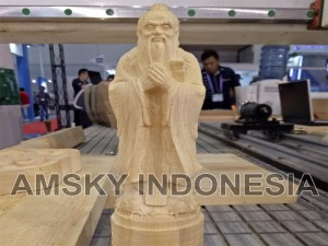 Sample mesin cnc woodworking xyz xj-1325 qtc