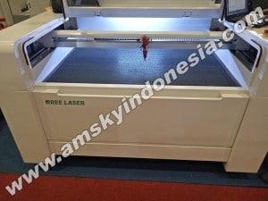 Mesin laser cutting Oree O-CM 1309