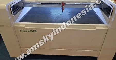 Mesin laser cutting Oree O-CM 1309