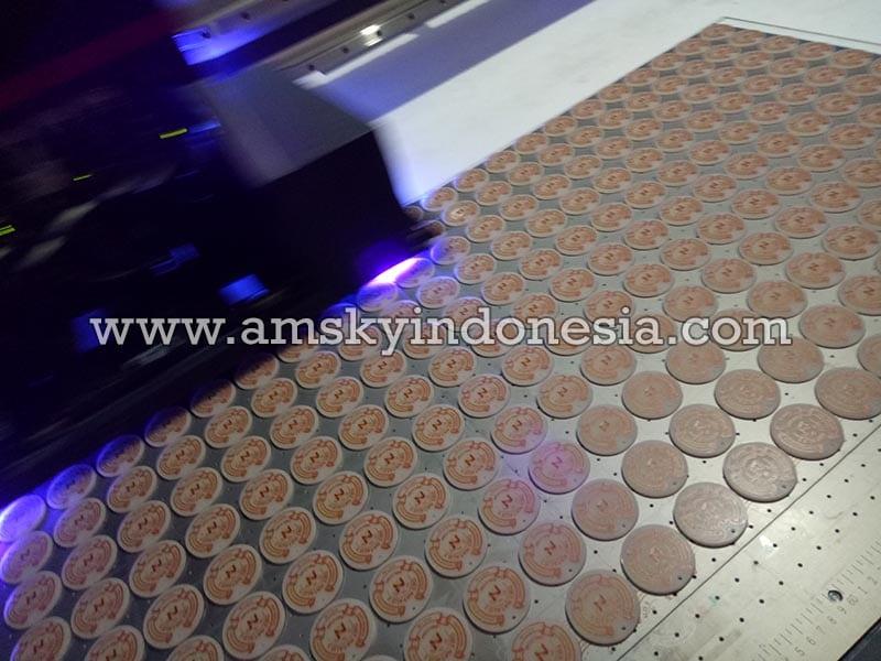 Print and cut pada bahan acrylic